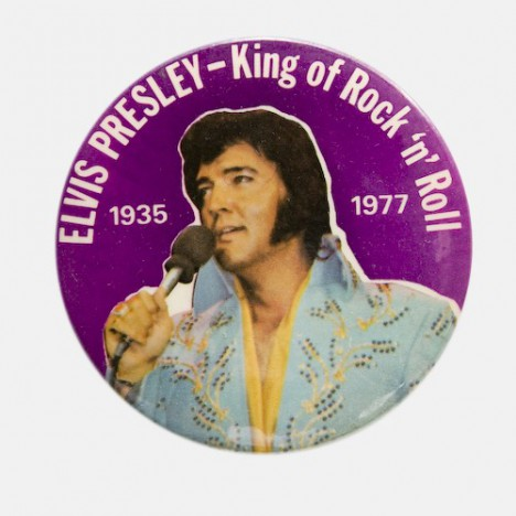 Badge collector XXL Elvis Presley - The king of rock'n'Roll - RARE - années 70