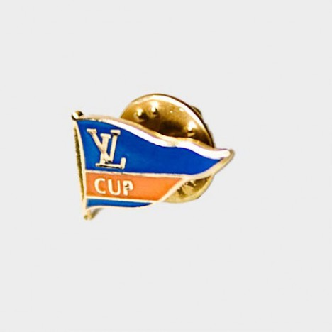 Pin's Louis Vuitton Cup vintage - Neuf